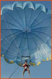 parasailing2_thmb